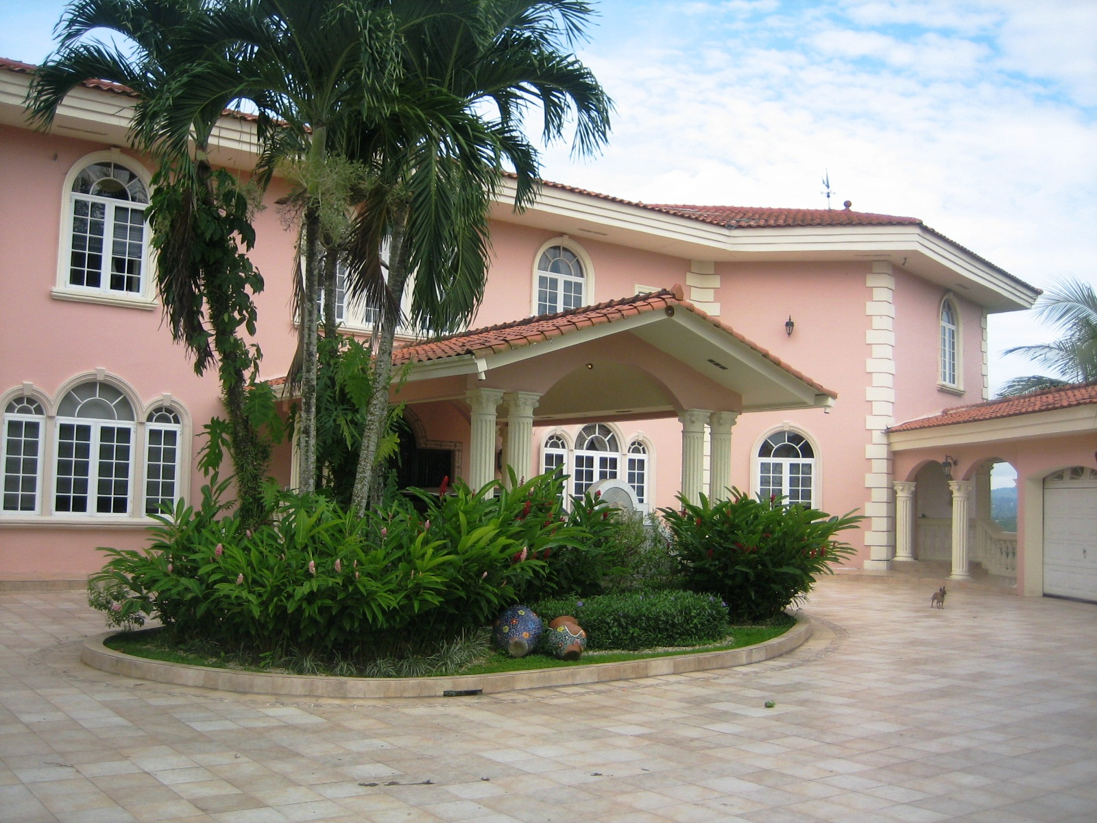 Five Bedroom House With A Swimming Pool For Sale In Panama City